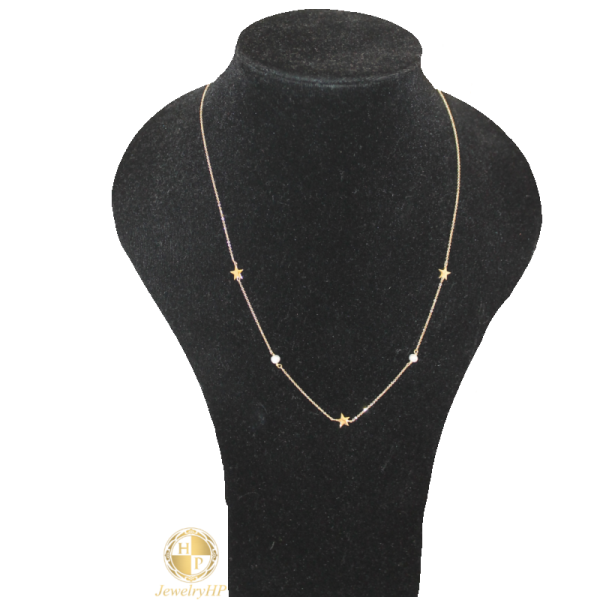 Female necklace by gold