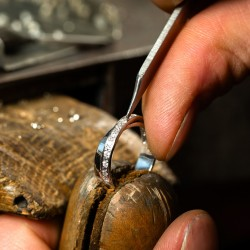 You want to repair your jewelry? We are the solution!